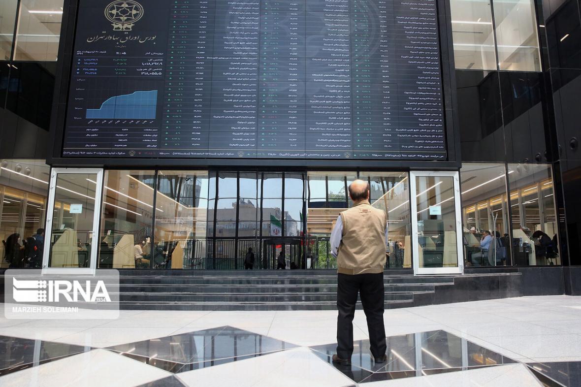 خبرنگاران بازگشت دوباره رشد به بورس