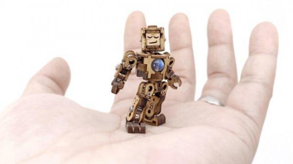 ساخت پیچیده ترین مینی ربات مفصل دار چوبی دنیا