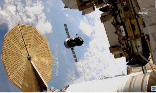 3 فضانورد 3 ساعته به ایستگاه فضایی رسیدند